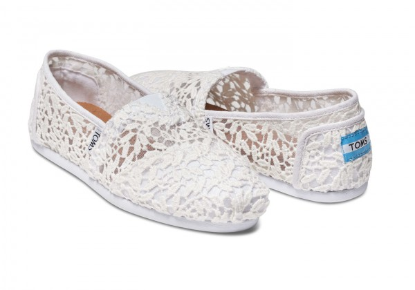 TOMS Classic White Lace Leaves